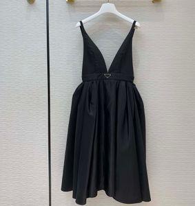 Neue Mode Sexy Party Kleid Re-Nylon Stil Puffer Röcke Taille-Retching Design Ball Kleid Hosenträger Midi Kleider mit invertiertem Dreieck