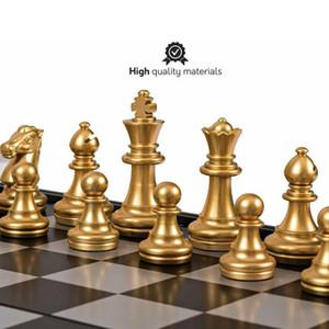 Set d'échecs médiévaux d'échecs d'échecs d'argent 32 pcs avec jeu de cartes magnétiques d'échiquier de haute qualité C0119