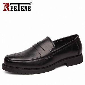 Réétune Cuir Robe Chaussures Hommes Mocassins Classic Formal Bullock Chaussures Retro Hommes Business Oxford Mâle Party Footwear # RF9B