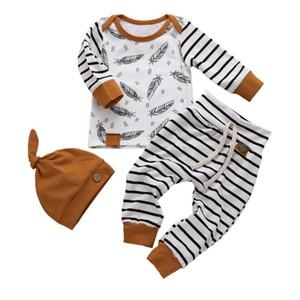 INS младенца Детская одежда наборы мультфильм перо и Stripped Print Boy 3 PCS комплект одежды наборы Top + Pant + Hat Одежда