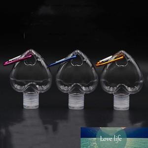 50 мл прозрачных пополняемых банок Джарс-формы для сердца. К услугам гостей контейнер для хранения жидкости для размывания ручной промывки с карабинком