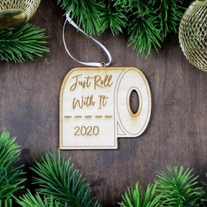 Hölzerne Ornamente Pandemic Social Distanzierung Weihnachtsbaum Hanging Weihnachts Anhänger Weihnachtsmann-Toilettenpapier-Partei-Dekoration HWF2502