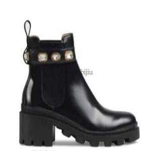 Diamond askısı Şerit Kemer Toka Bilek Boots Doğrudan Kadın Kaba Topuk Yuvarlak Kafa ayakkabı Yüksek Kalite c22 ile deri yarım bot Womens