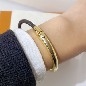 Mode gold schnalle armband für frau einzigartige design vintage armband hochwertig leder armband modeschmuck liefern
