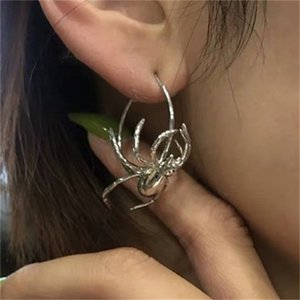 Harajuku Punk Metal Spider Earrings For Women Femele Alloy Simple Insect Ear Jewelry For Girl Birthday Jewelry Gift 2020 New