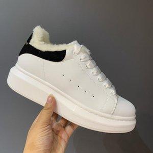 Plus chaussure velours femme femme 2021 hiver nouveau sport chaussures de sport épais mouton de mouton de gâteau de gâteau chaussures décontractées chaude chaude coton chaussures