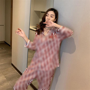 Spring Fall Women Luxury Sleepwear Fashion Letter Printed Lady Silk Pajamas Sets 2 Colors Lovely Charm Girls Trendy Home Clothing
