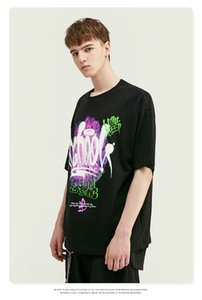 2020 spring and summer new European and American street personality English abstract graffiti print loose short-sleeved T-shirt