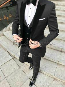 Black Groom Tuxedos Men wedding Suits Velevt Peaked Lapel Man Blazer Jacket Three-Piece Groomsmen Wear Custom Made Evening Prom Party Suits