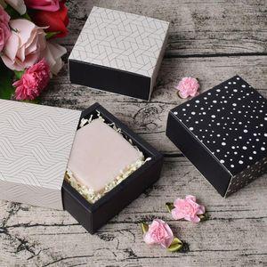 10 قطع حقيبة الحاضر كرتون مربع الحلوى عطلة هدية تخزين حالة المطبوعة حامل الشوكولاته الزفاف (بدون الشريط / ملصقا) 1