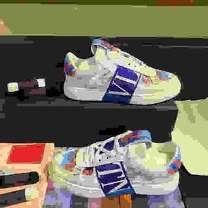 Valentino shoes Мужчины Мулы Flats Fur Тапочки Мода Мокасины Вышивка Princetown Тайгер обувь Furry Слайды Muller Трусы Женщины Сандал fs200606