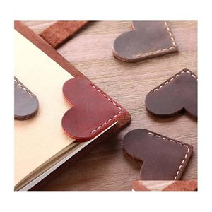 1pcs vintage leather bookmarks for book mini corner page marker leather bookmark heart design book mark for reader teacher gift