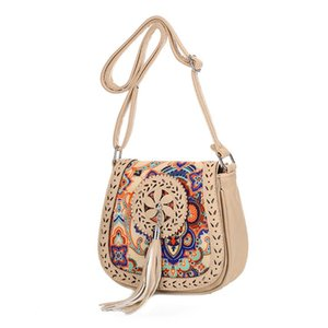 New 2020 Hollow Out Shoulder Bag Small Women Leather Crossbody bag For Girl Ethnic Print Messenger Clutch Handbag Sac A Main