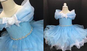 2021 Baby Blue Cinderella Girls Pageant Dresses Short Off the shoulder Cap Short Sleeves Rhinestones Kids Infants First Communion Dress