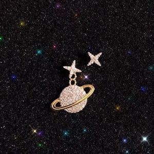 classic RGC9Women's jewelry 2020 fashion hot on the new elegant inlaid crystal diamond asymmetrical earrings