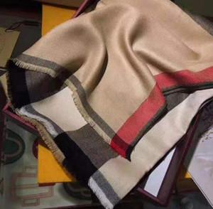 2020 Новый Классический британский клетки хлопчатобумажные дамы высокого качества Женщины кашемировой шарф для женщин осенью и зимняя шаль двойное использование 01