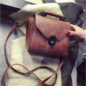 Luxurys Designers Bags Vintage Leather Female Top-handle Bags Small Women Handbag Casual Shoulder Bag Lady High Quality Flap Banquet Bag