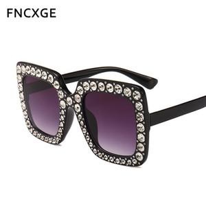 2020 Quadrat-Sonnenbrille-Frauen Maxi-Mode Sonnenbrillen Flat Top Außen Vintage Retro Männer Gafas Brillen 5702