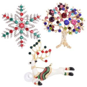 3Pcs Christmas Brooch Christmas Style Brooch Gift Crystal Breastpin for Gift Xmas Party