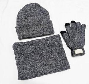 New Designer Sombreros Bufandas Guantes Conjuntos Fashion Scarf Gloves Beanie Accesorios de clima frío Cashmere Conjuntos de regalos para hombres HHE2888