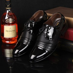 Fashion Patent Leather Dress Shoes Men Flats Pointed Toe Formal Shoes Men Wedding Bright Oxford For Footwear