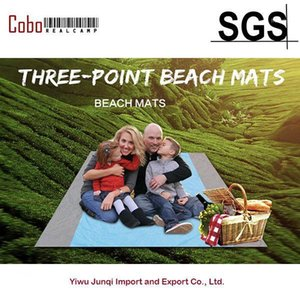 Beach Blanket Huge Picnic Blanket Water Resistant Sand Free Nylon Outdoor Blankets with 4 Stakes Lightweight1