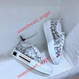 Dior shoes 2021 progettista أحذية عارضة الأزياء الزهور الرياضية امرأة الأحذية الجري الطباعة الدانتيل سميكة أسفل لوسو البولينج حذاء كبير الحجم 36-46
