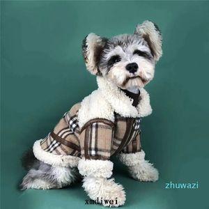 Fashion Warm Winter Dog Chaqueta de perros Impresión de la red espesa abrigo mascota Khaki Nuevo estilo Ropa de perro Lujo Bereber Fleece Pet Abrigos