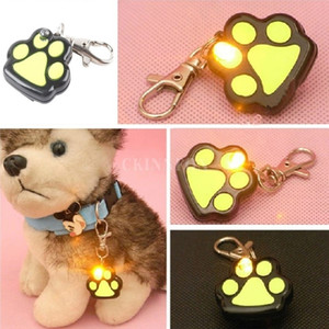 100Pcs Lot Pet Dog LED Flashing Night Light Footprint Paw Print Buckle Blink Pendent Collar 201101