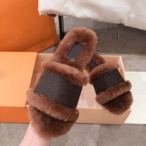 Мода женские меховые тапочки с настоящей шерстью настоящий теленокскин слайд сандалии зимние теплые сапоги с коробкой