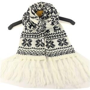 Hiver chaud tricot Scarfves de Noël flocon de neige imprimé Glands écharpe enfants jacquard enfants Foulard Réchauffez Wraps Cape Sacrf KKF1800