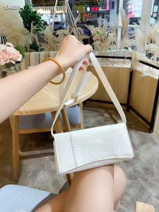 High end fashion women's cross arm handbag new fashion shopping bag with gift box