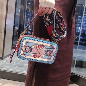 Мода Poker Cat Дизайн женщин сумки на ремне Широкий ремень сумки Crossbody Смешные леди Сумка Chic Малый кошелек Женский сумка 2020 C1016
