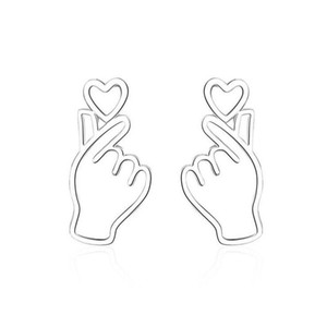 Fashion 925 Silver Creative Whimsy Lovely Heart Hand Stud Earrings For Girls Women Personality Earring Gift Korea Jewelry ED583