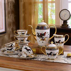 Porzellan Geschirr Set Bone China GOTT Horses Design Umriss in Gold 58 stücke Geschirr Sets Abendessen Set Kaffee Sets Hochzeitsgeschenk FWF2866