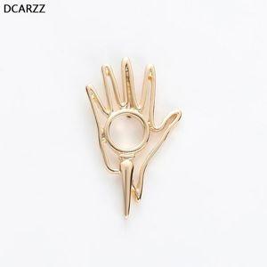 DCarzz Mano Pin Biologia Biologia Regalo di Chimica Gold Pins Metal Fashion Jewelry Beautiful Pin Brooches Accessori donna1