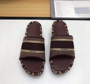 Diseñador de marca Dway Slides Bordado Algodón Mujer Plataforma Sandalia Moda Zapatos Zapatillas de verano Playa Slipper
