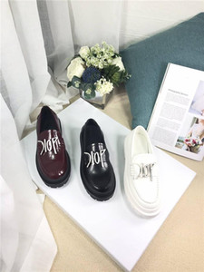 Womens Autumn and winter trend leisure loafers, calfskin tie-in science and technology embroidery fabric leather shoes