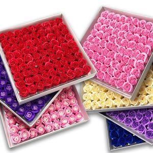 81PCS Rose Regalo Caja Decorativa Artificial Rosa Flor Cabeza Floral Soap Steen Sobre Sosteniendo Flores Esenciales Boda Día de San Valentín Regalo
