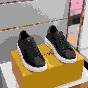 LV 2021 Sneaekers oversize da tennis degli uomini scarpe scarpe da donna in argento metallizzato effetto Sole Sport Trainer fs200609