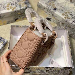 2021 Luxurys Designers Модернизированная версия Lady Sumbags Makeed Princess Bags Beet Bee Подвеска Сумки Beeds Lady Crossbody Полная коробка 17см.