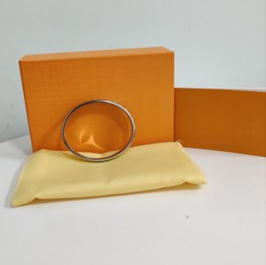 High Quality Titanium Steel Bracelet Flower Bracelet Ring Couple Gold Silver Rose Gold Three-color Bracelet Fashion Jewelry