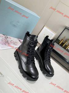 Prada Boots Martin Bottes Femme Épaissée Solée Sports Chaussures Luxe Design Bottes en cuir Boucle en métal Chaussures mâles Mesdames Bottes courtes grandes taille 35-40 UP123