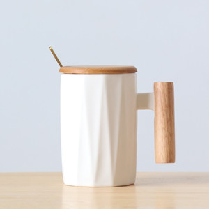 Ins Ceramic Wooden Handle Cup Household Lovers Coffee Mugs Tumbler Restoring Ancient Ways Originality Valentine's Day Hot Sale 12lxb1
