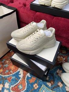 Questo negozio vende scarpe antiche di lacci sporche vintage, 21 tipi di modelli da uomo e donne, benvenuti per consultare le dimensioni 36-44