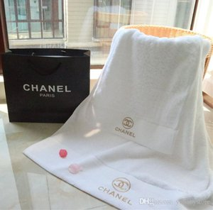 2020 New hot sale Two pcs sets of embroidered towel children clothing adult fashion comfort plush cotton towel two-piece simple white towel.