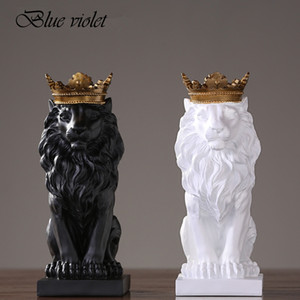 2019 New Creative Modern Golden Crown Black lion Statue Animal Figurine Sculpture For Home Decorations Attic Ornaments Gifts 2 T200703