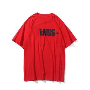 2021 New Skateboard T Shirt Hombres Mujeres Blanco Hip Hop de manga corta Hombre Stylist T Shirt Tshirt