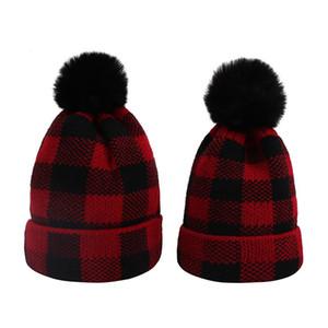 Plaid Eltern-Kind-Baby-Mützen Moms Winter-Strickmützen Warm Crochet Schädel Caps Outdoor-Pom Pom-Hüte GGA3774-1