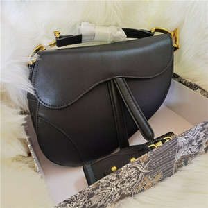 2020 bolso de mano bolsa de montar de calidad superior de cuero genuino con correa de hombro bolso de metal colgante de metal bolsas de hombro de mujer Crossbody Bag Cowhide Handba